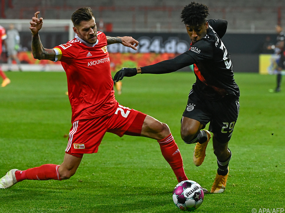 Christopher Trimmel (l.) holt mit Union Berlin 1:1 gegen FC Bayern