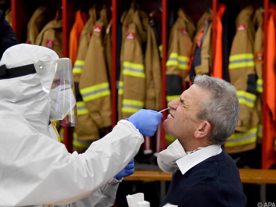 Die ersten Tests finden in Feuerwehrhäusern statt