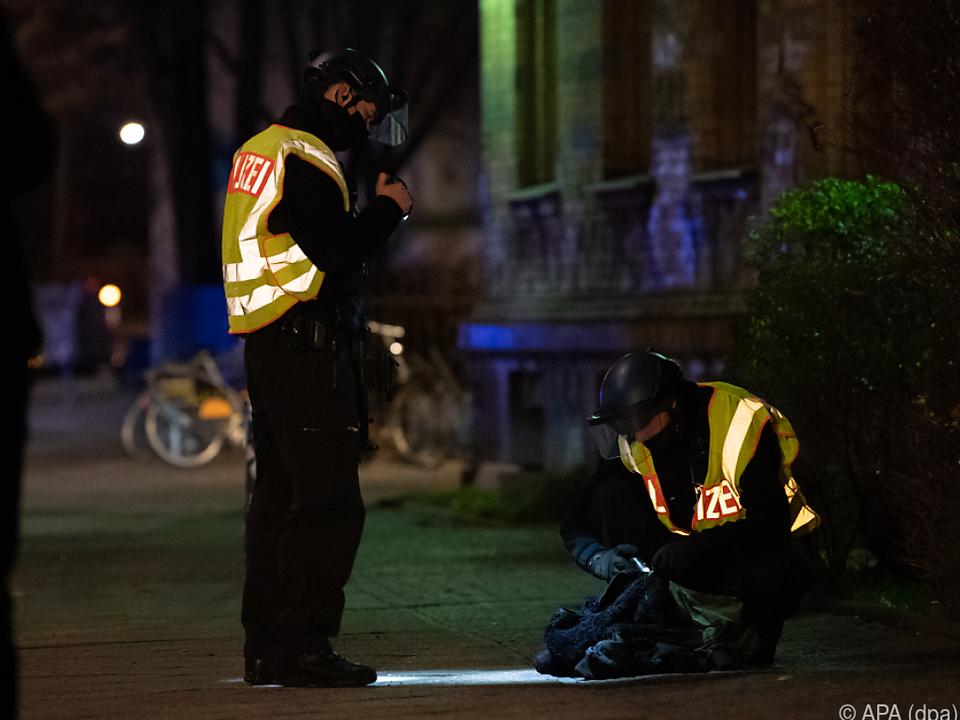 Die Polizei sucht nach Beteiligten der Tat