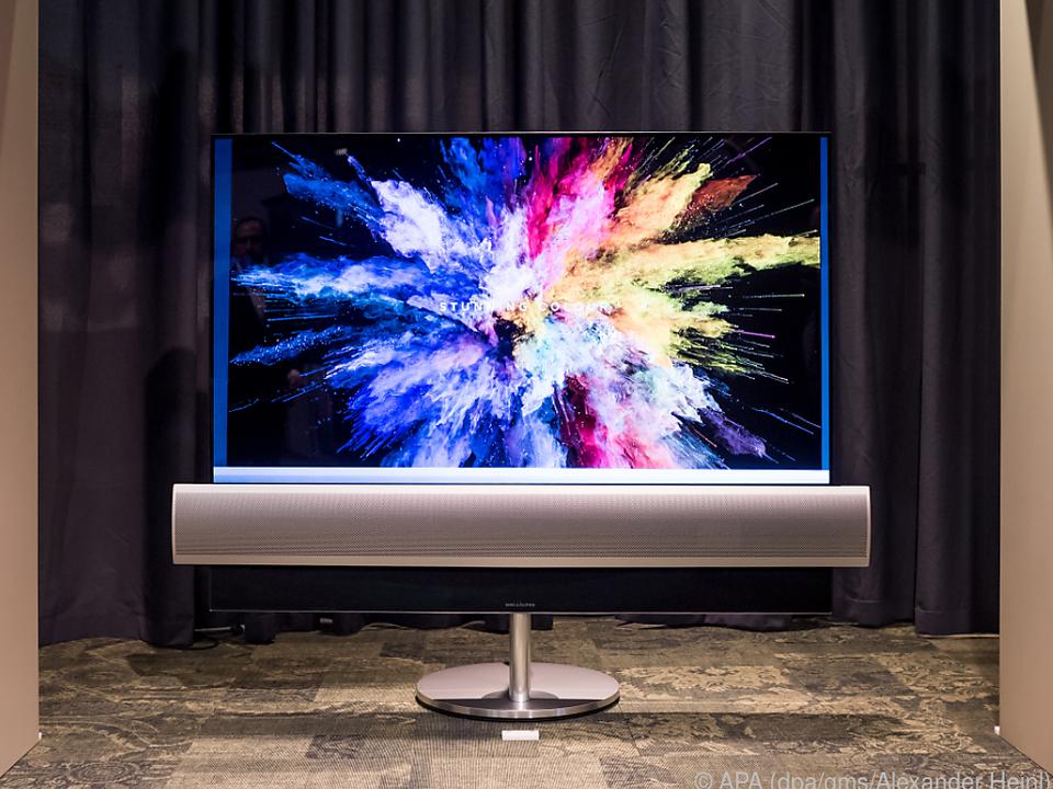 Die Soundbar mindestens so breit wie der Fernseher sein