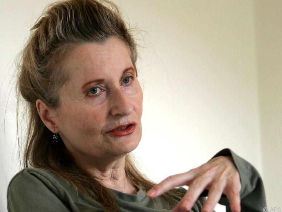 Elfriede Jelinek gehört zu den prominenten Unterzeichnern (hier 2004)