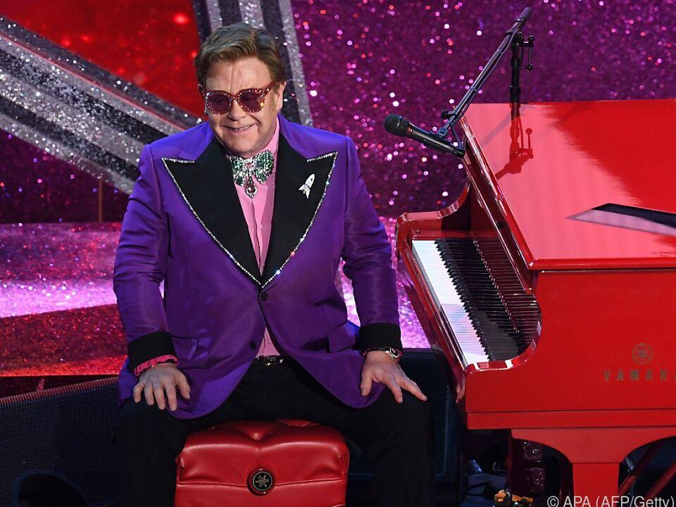 Elton John feierte im Juli 30-jährige Trockenheit