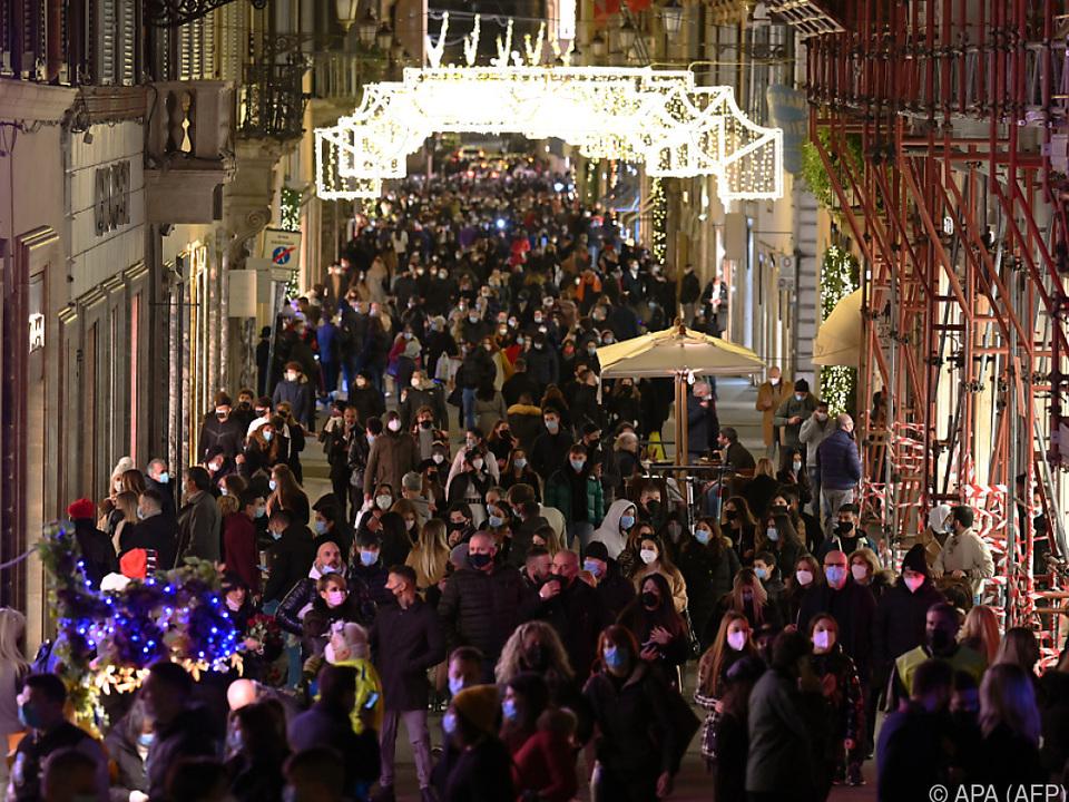 Gedränge wegen Weihnachtseinkäufen in Rom