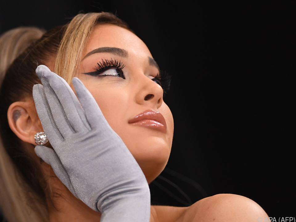 Grande ist mit Immobilienmakler Dalton Gomez verlobt