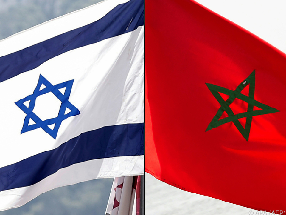 Flaggen Israels und Marokkos