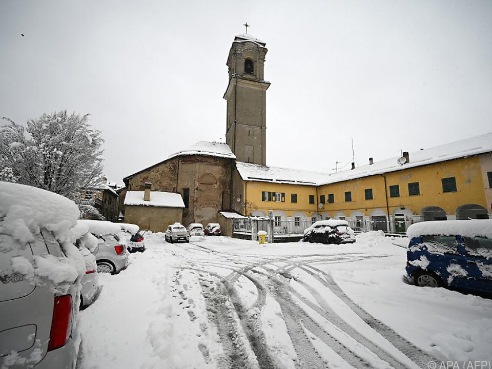 Heftige Schneefälle in Norditalien