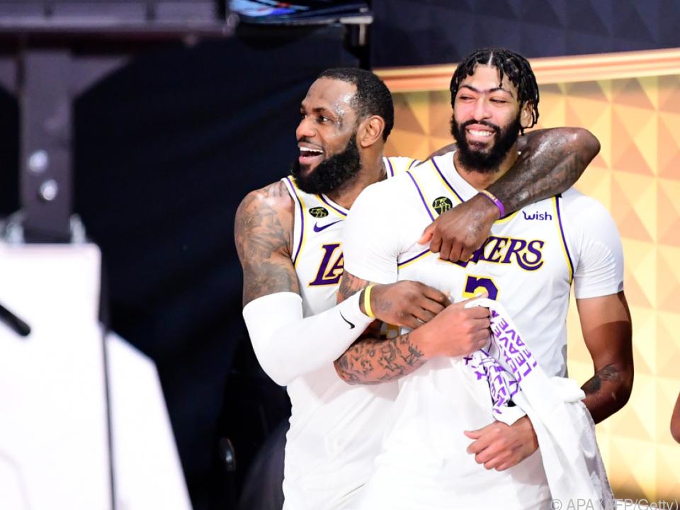 Dynamisches Lakers-Duo James (l.) und Davis soll es wieder richten