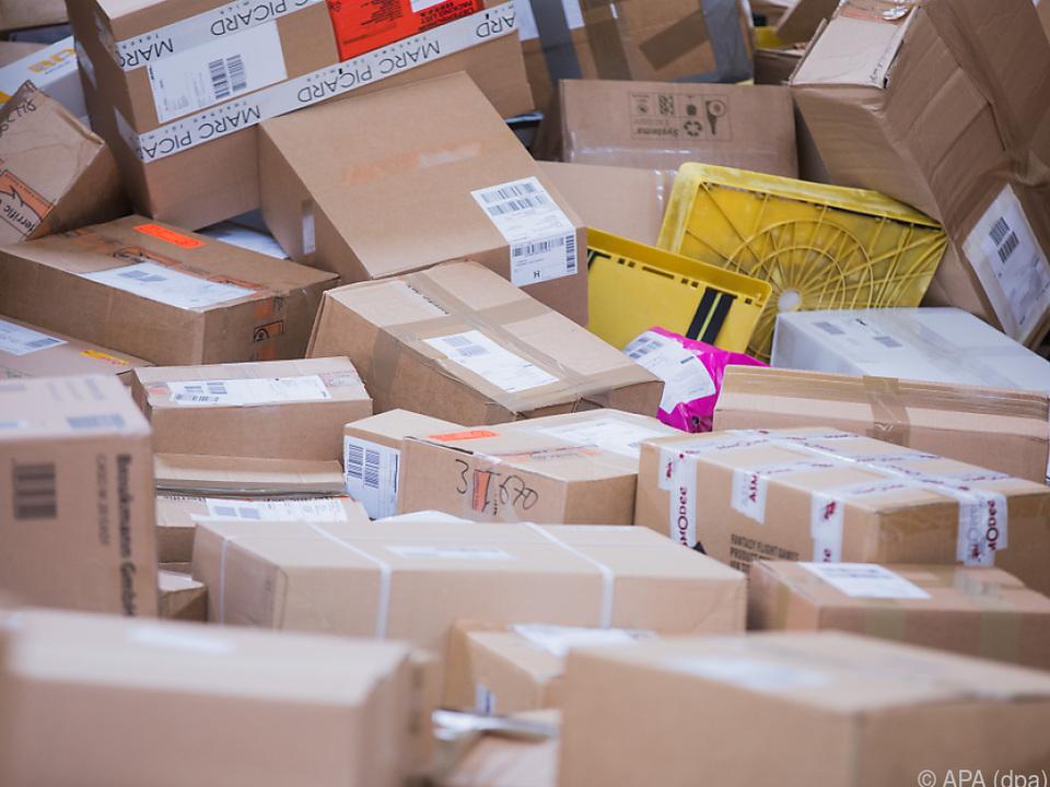 Hohes Paketaufkommen in der Vorweihnachtszeit