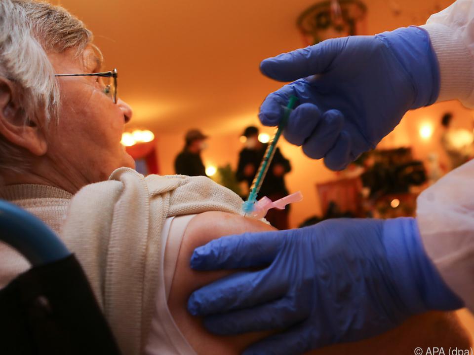 In Deutschland wurden die ersten Impfungen schon vorgenommen