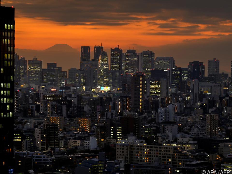 In Tokio und anderswo im Land laufen die Geschäfte