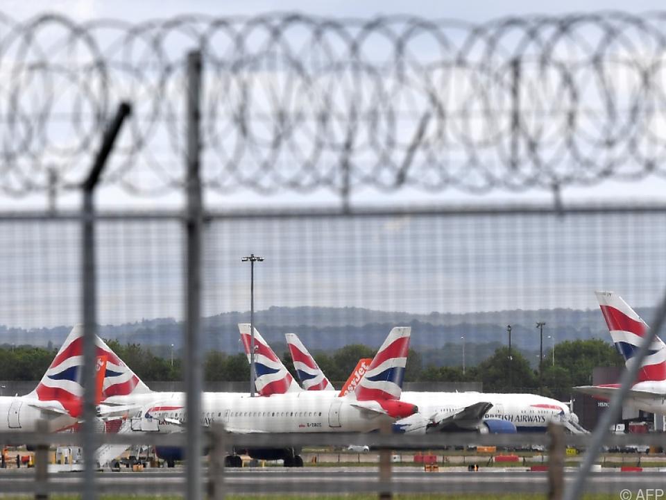 Flugzeuge von British Airways in London-Heathrow