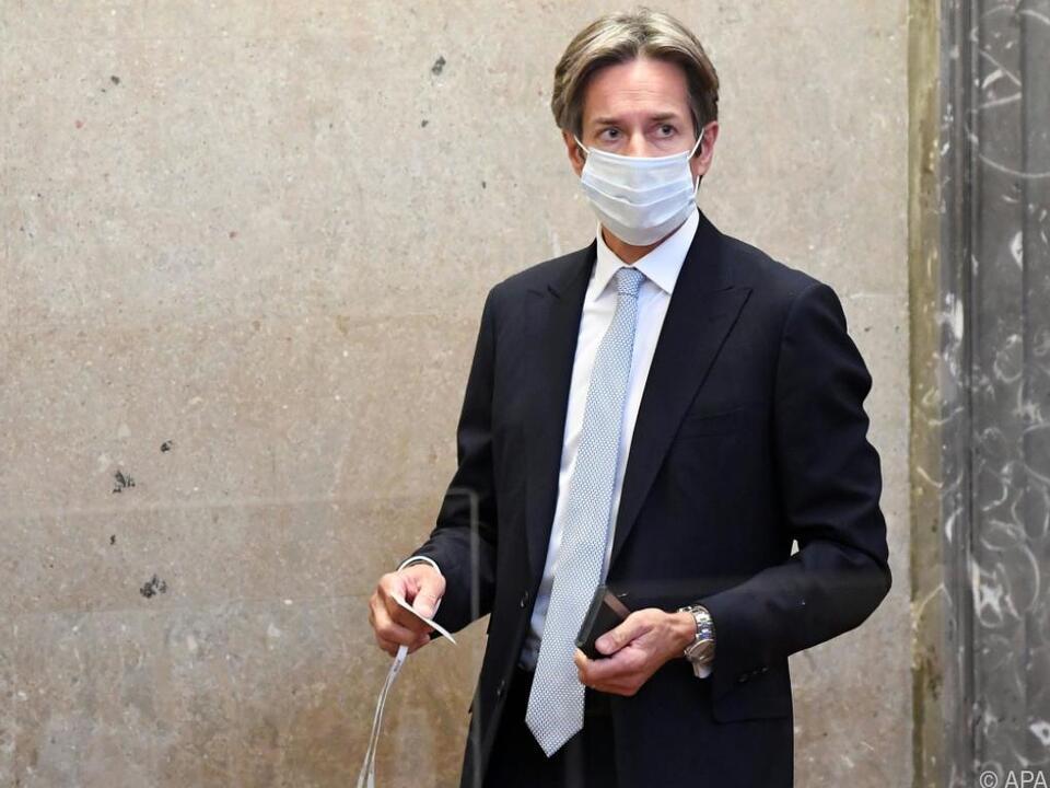 Karl-Heinz Grasser wartet auf das Urteil