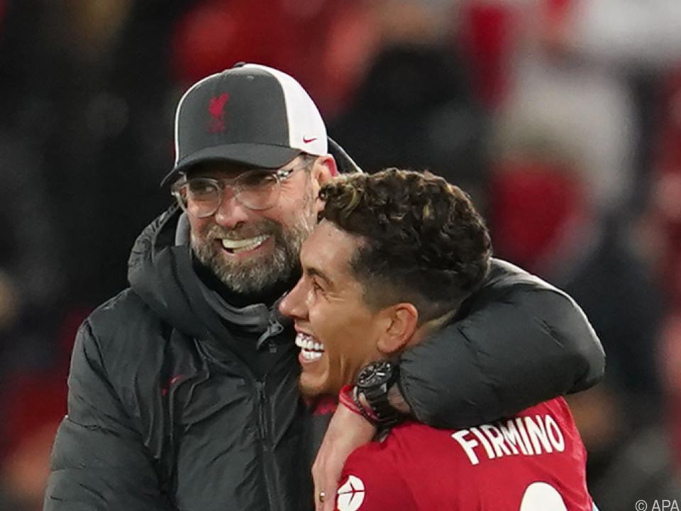 Liverpool-Trainer Klopp herzt Siegtorschützen Firmino