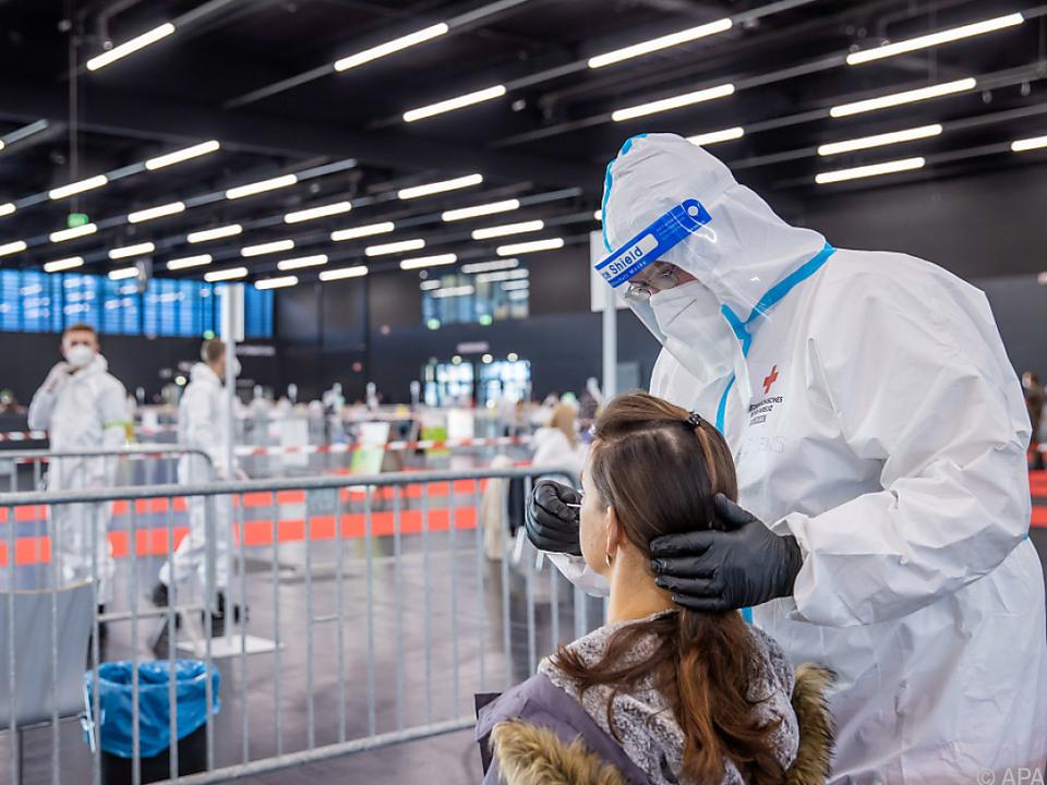 Mehr als 4.000 Infizierte wurden durch die Tests \