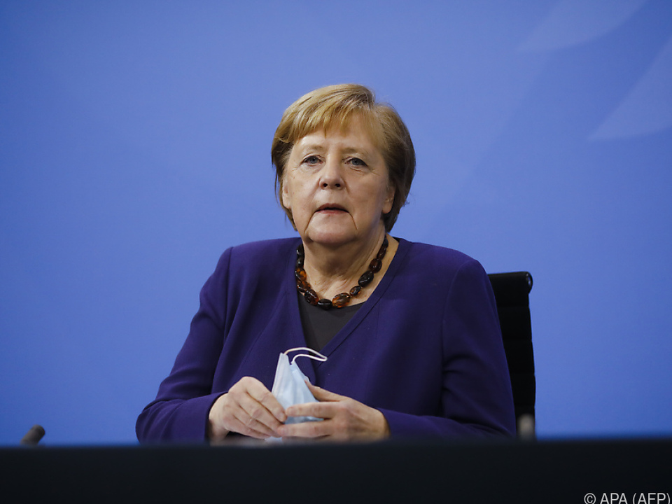 Merkel verkündet Verlängerung