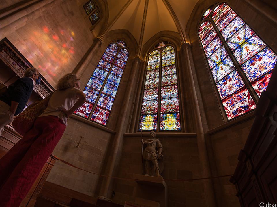 Starkünstler Gerhard Richter hat die Fenster der Abteikirche Tholey gestaltet