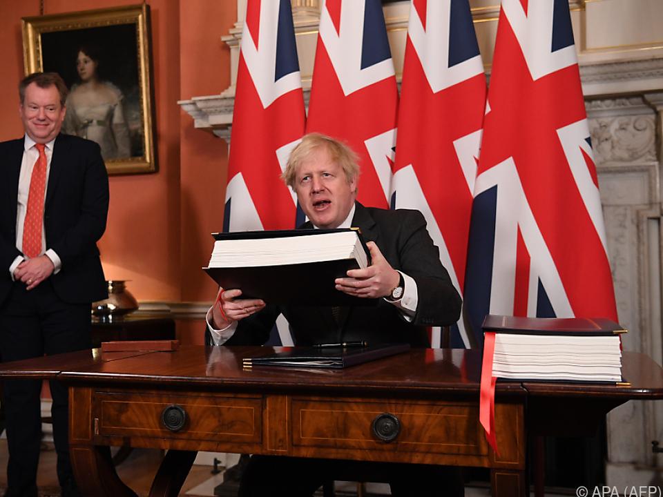 Johnson unterzeichnete Deal