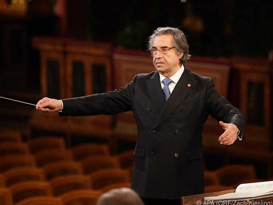 Riccardo Muti dirigiert die Philharmoniker im leeren Musikverein