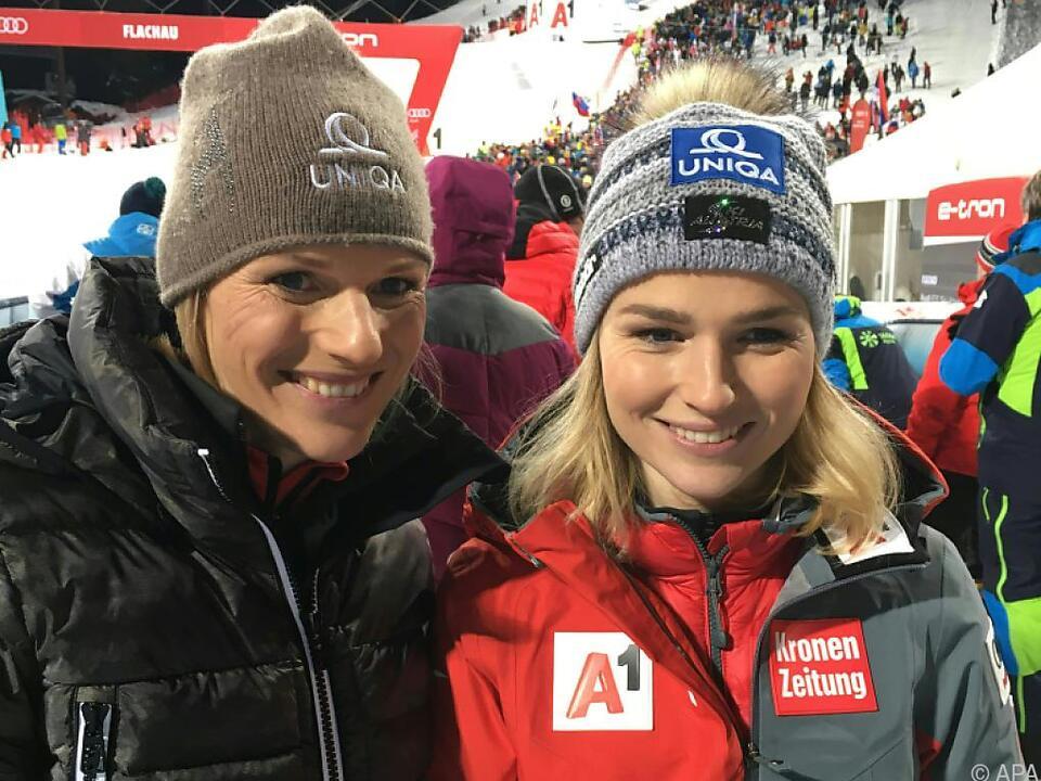 Marlies Raich mit ihrer Schwester Bernadette Schild