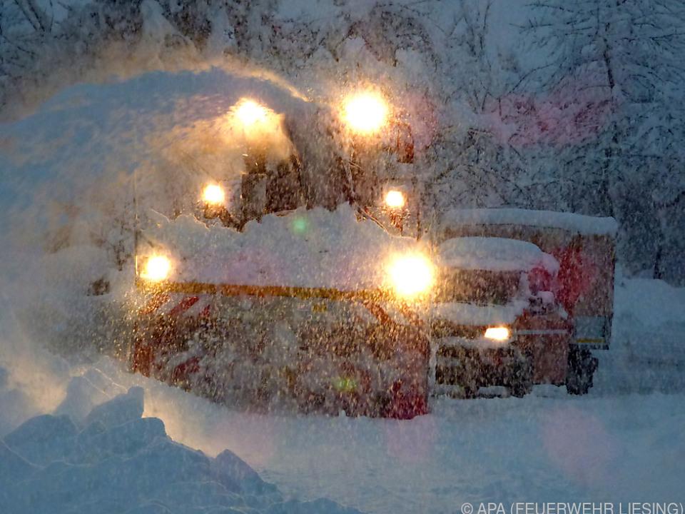 Schneefälle sorgen für zahlreiche Einsätze