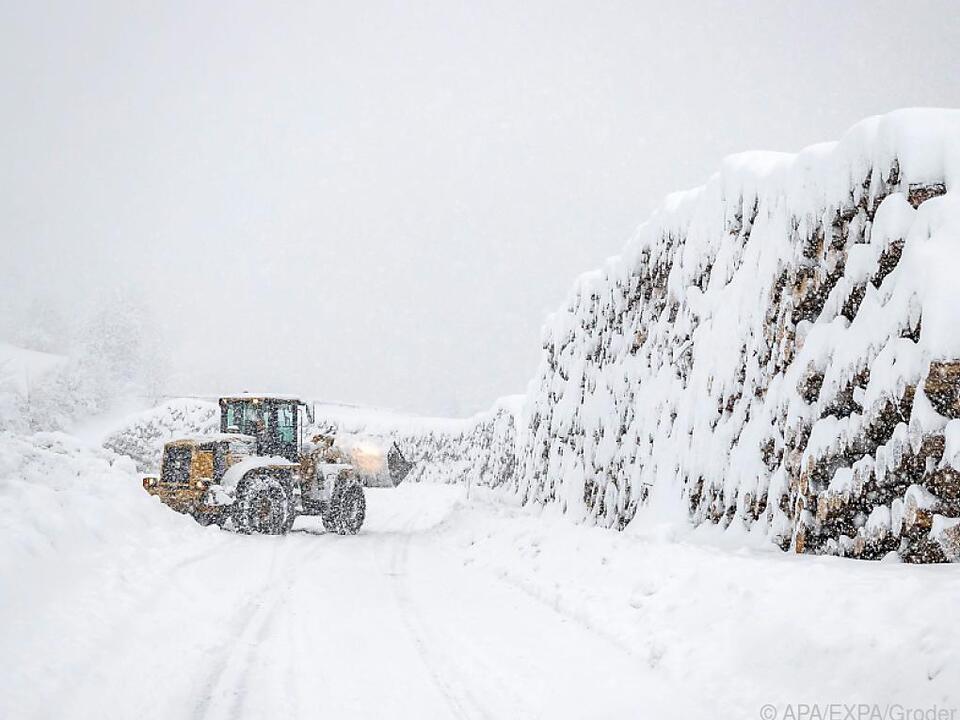 Schneeräumungsarbeiten in Osttirol