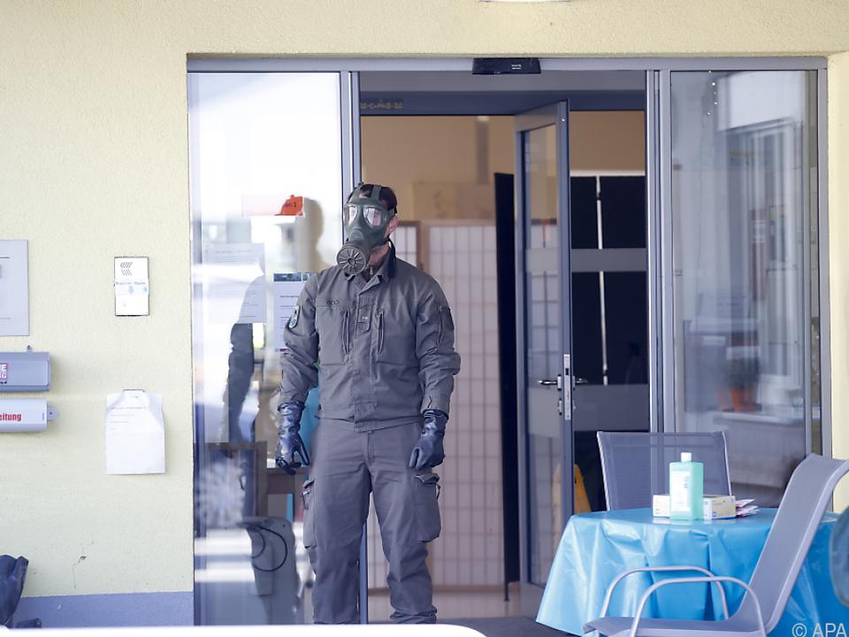Soldaten der ABC-Abwehreinheit sorgten fürs Desinfizieren