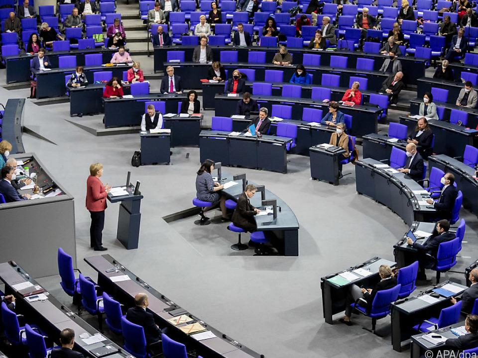 Bundestag wird in neun Monaten neu gewählt