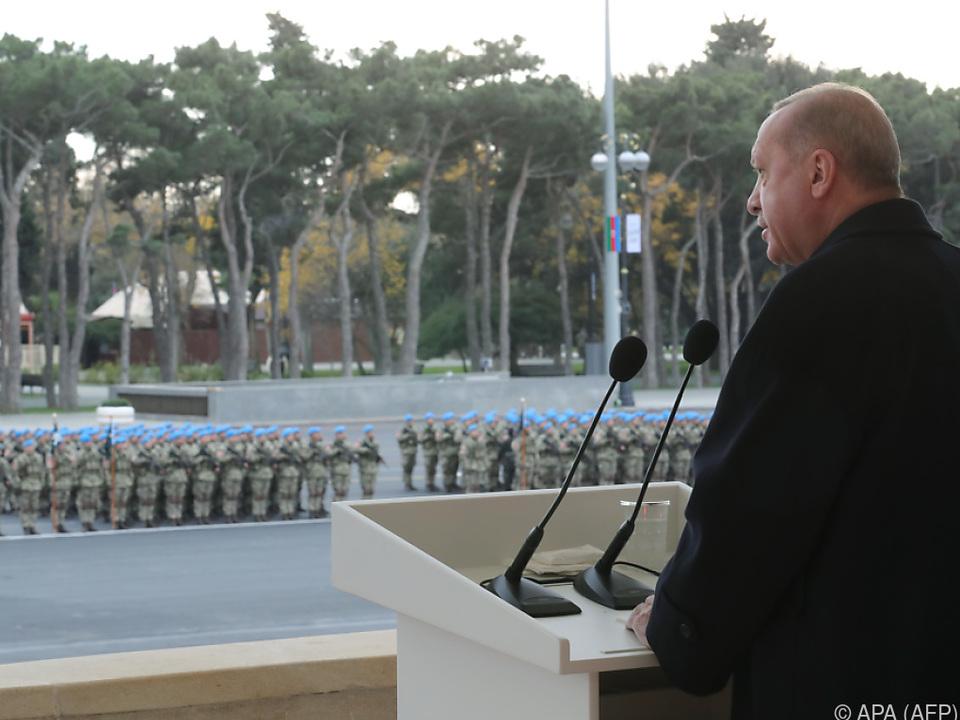 Türkischer Präsident zitierte in Baku aus Gedicht