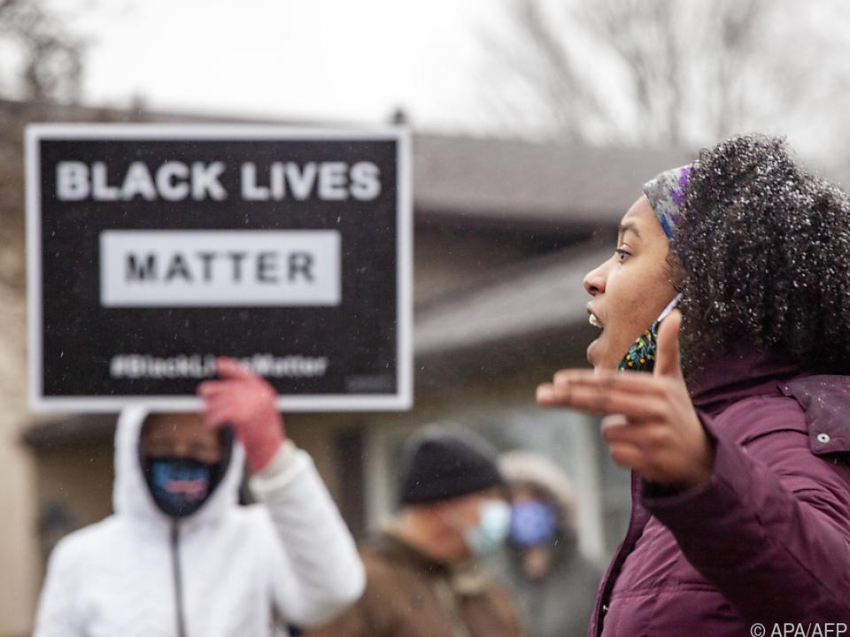 Zahlreiche Menschen demonstrierten in Columbus