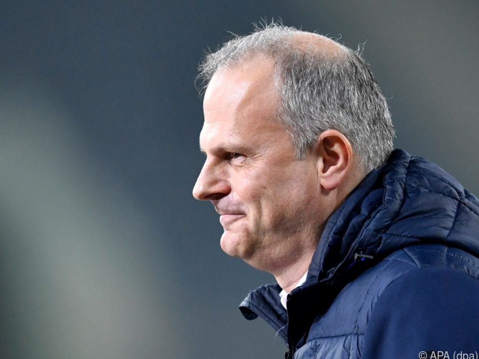 Jochen Schneider hat wieder einmal einen neuen Trainer gefunden