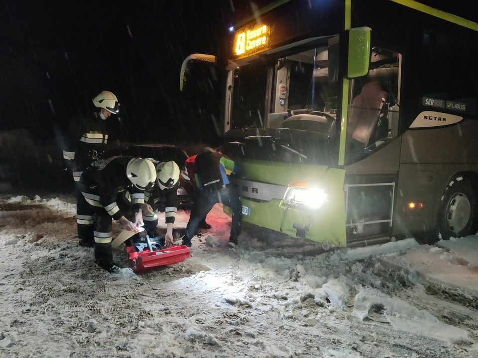 2020-01-02 AL4 Verkehrsunfall mit Linienbus ohne VU Personen (1)