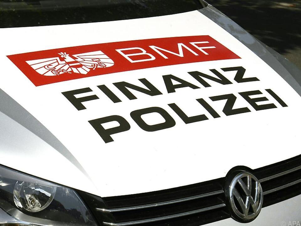 33 Mitarbeiter der Finanzpolizei waren an der Aktion beteiligt