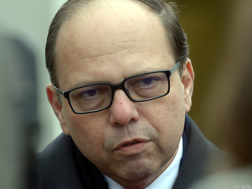 Ärztekammer-Präsident Szekeres für rasche Politiker- Impfungen