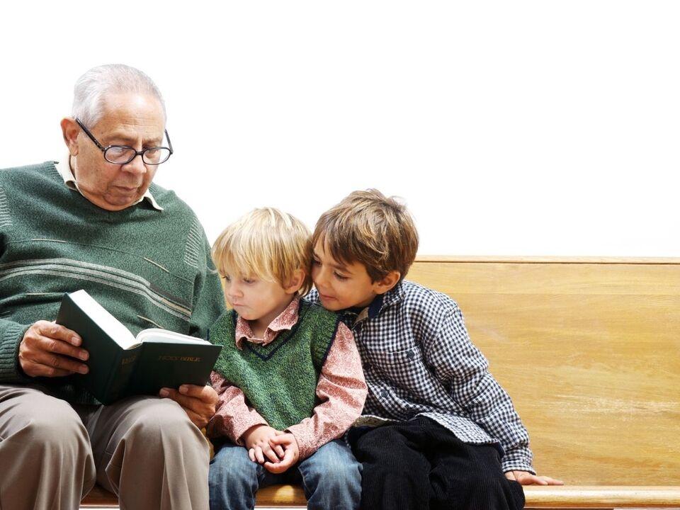 Kinder und Senioren
