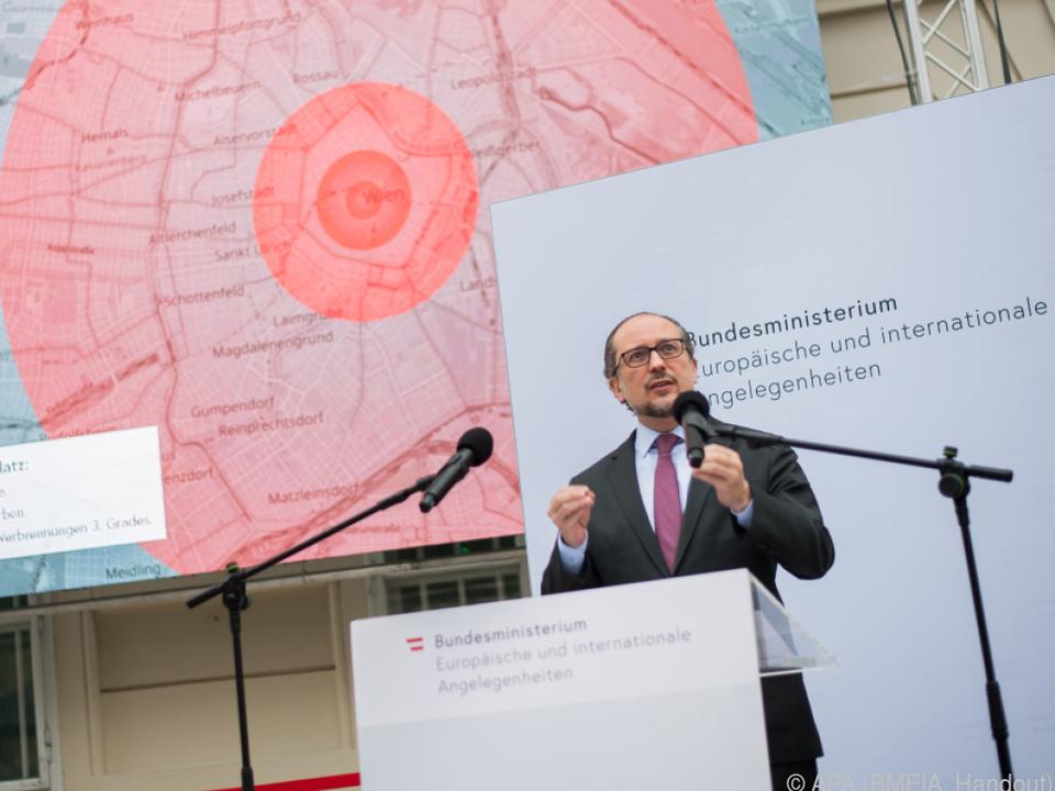 Außenminister Schallenberg feiert Atomwaffenverbotsvertrag