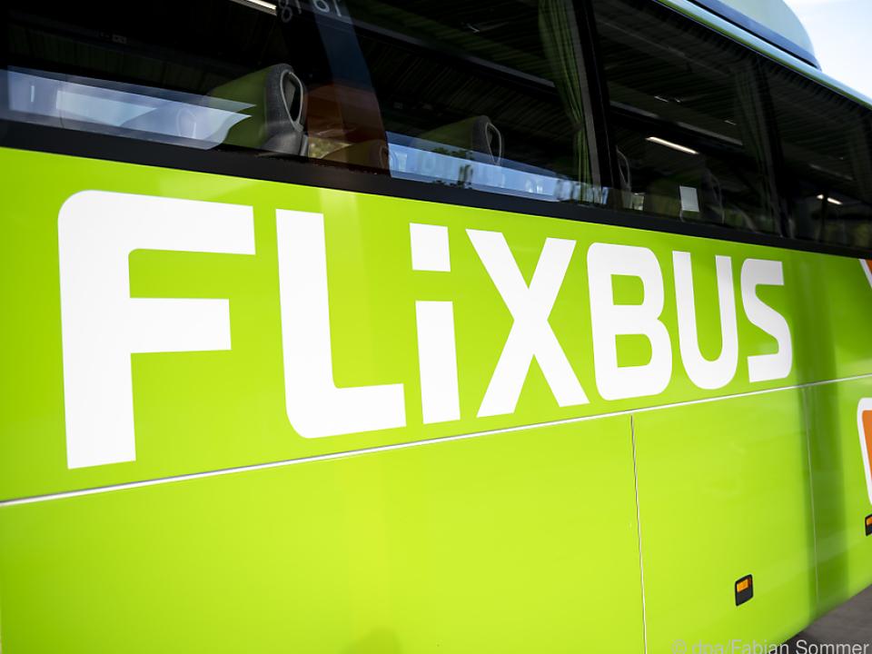 Die knallgrünen Flixbusse stehen derzeit still