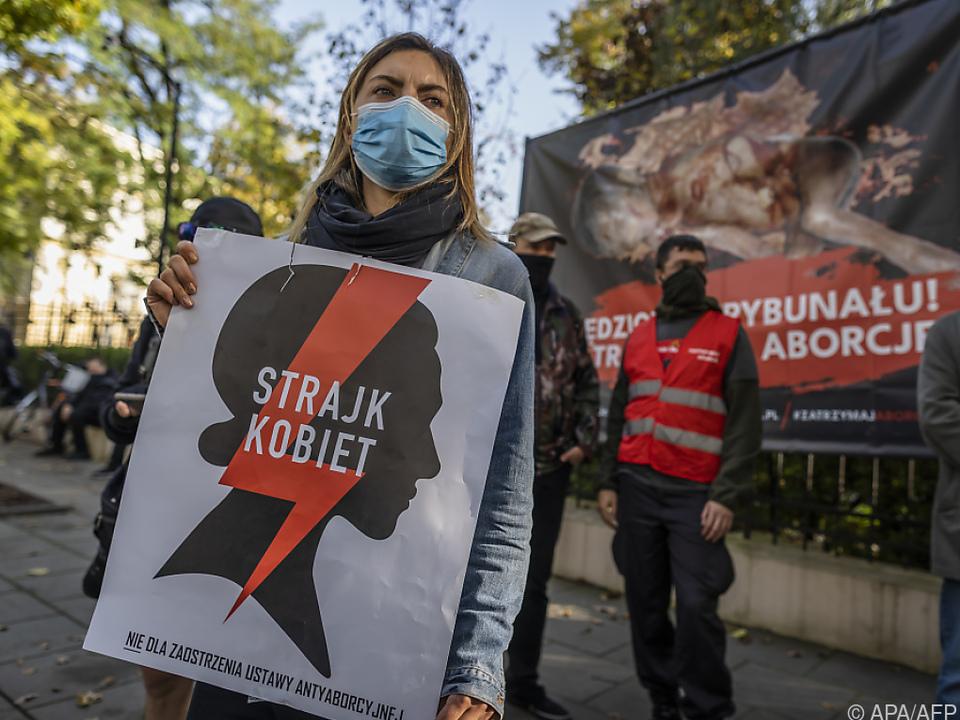 Demonstrantin gegen Abtreibungsverschärfung