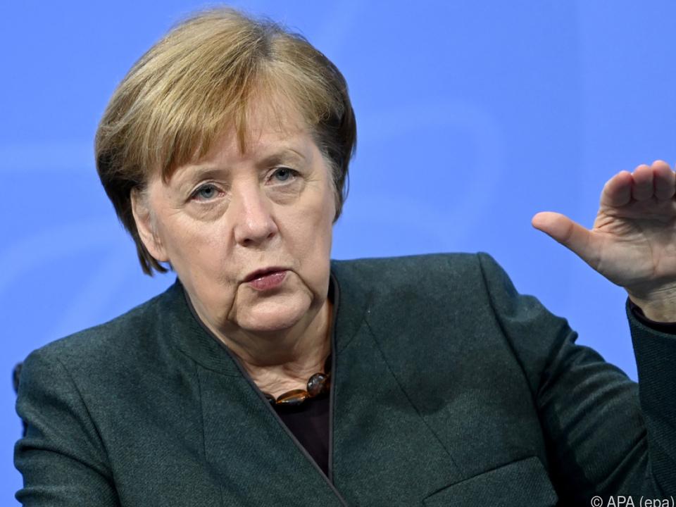 Deutsche Kanzlerin Merkel: brauchen strengere Corona-Maßnahmen