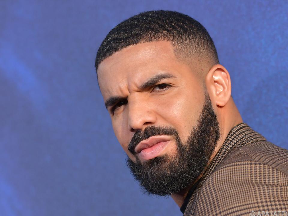 Drake konzentrierte sich auf seine Genesung nach einer Knie-OP