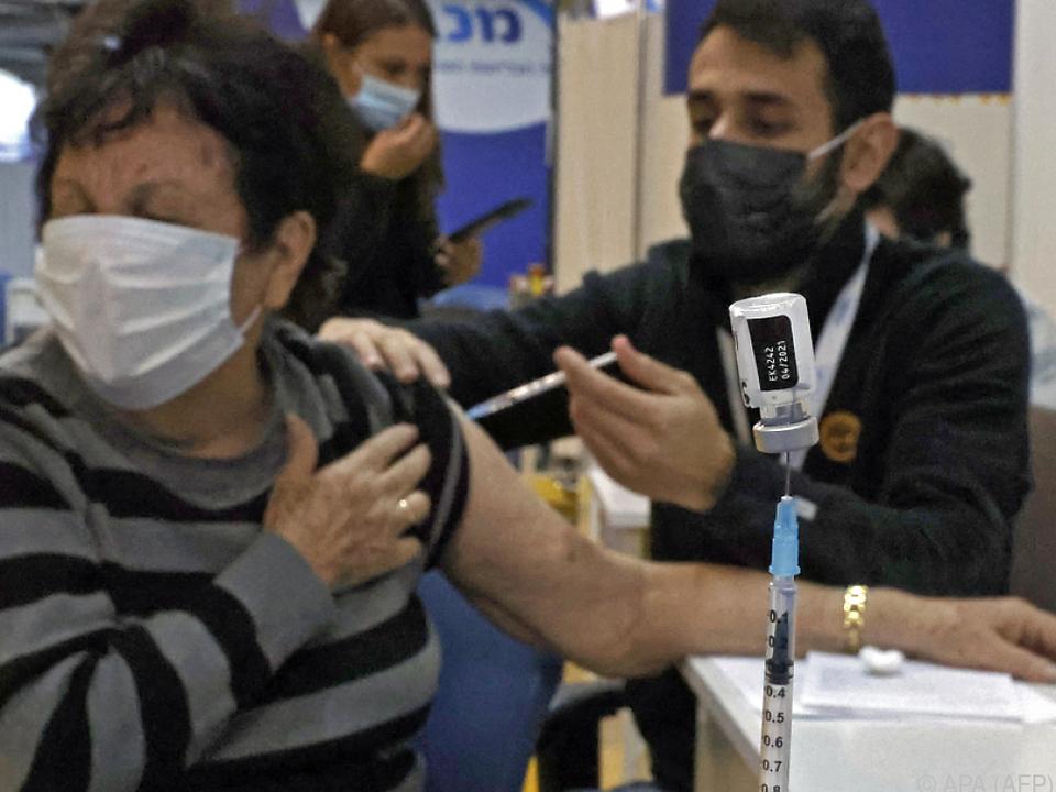 Großflächige Impfungen in Israel zeigen Wirkung