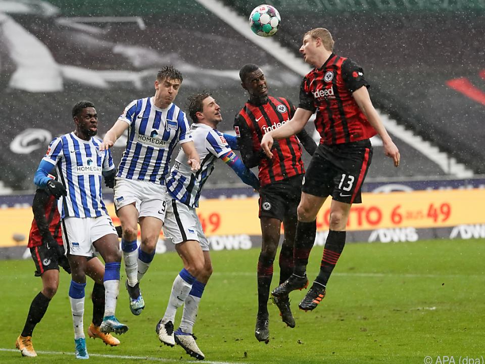 Hinteregger köpfelte Frankfurts 2:1 gegen Hertha