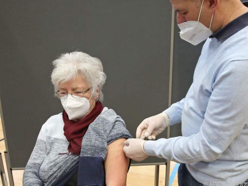 In Oberösterreich startete die Impfaktion für über 80-Jährige