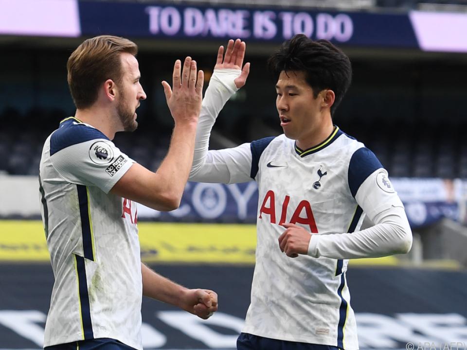 Jubel bei den Tottenham-Torschützen Kane und Son