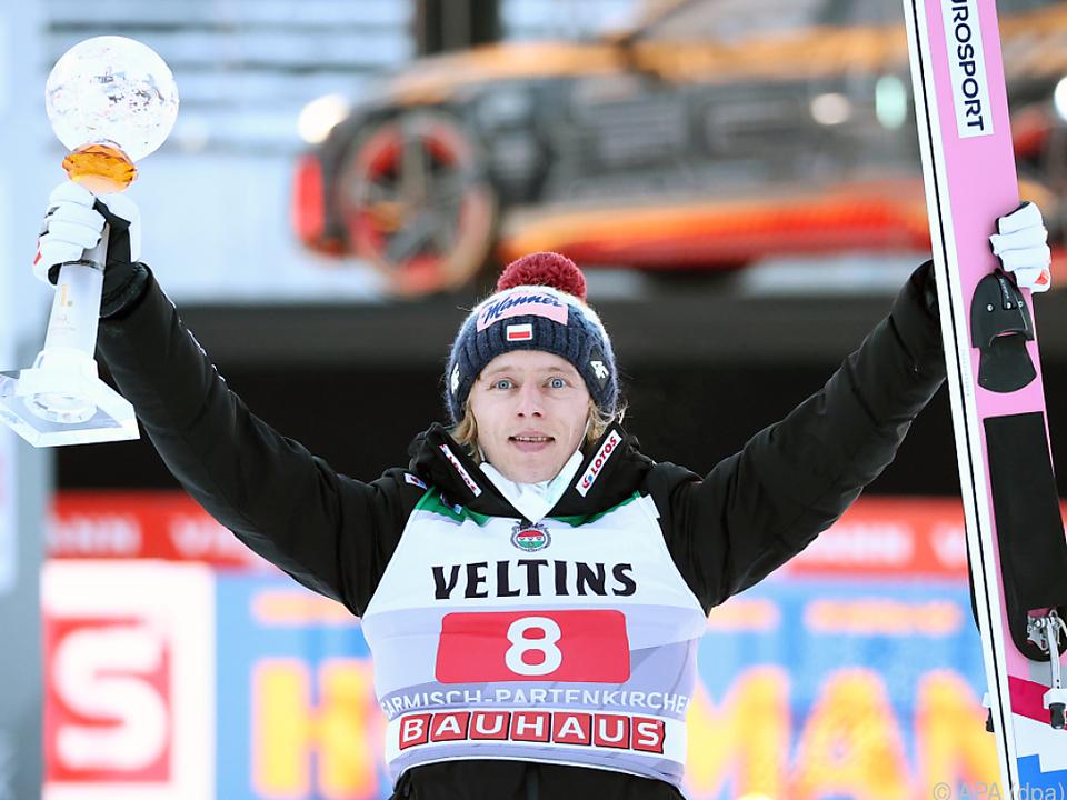 Der Pole Dawid Kubacki jubelt in Garmisch