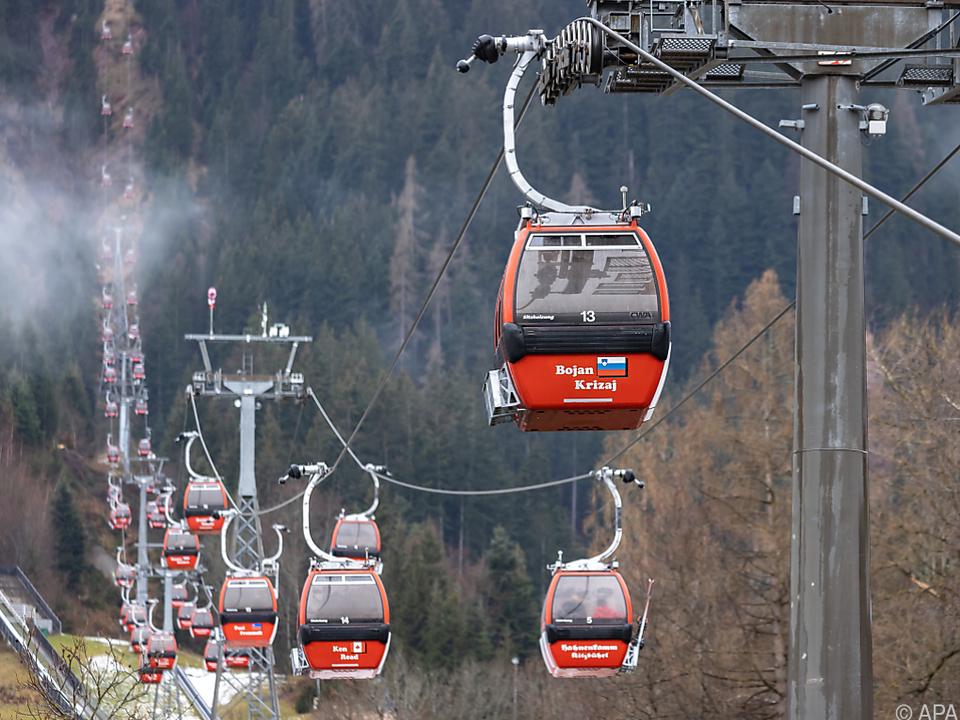 Die Hahnenkammbahn soll schon am Wochenende den Ski-Weltcup flankieren