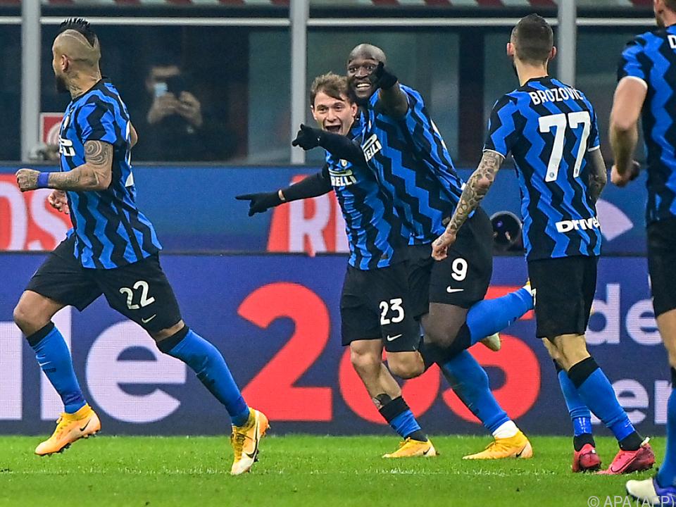 Nicolo Barella (Nr. 23) feiert sein Tor für Inter gegen Juventus