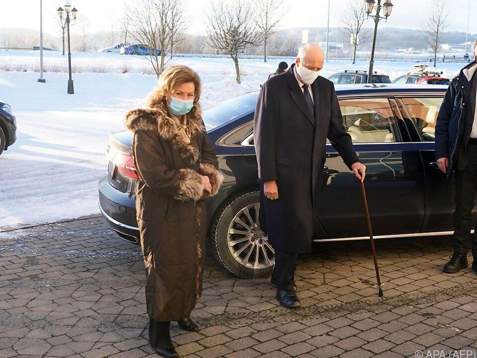 Norwegens König Harald hat Schmerzen im Bein (Archivbild)
