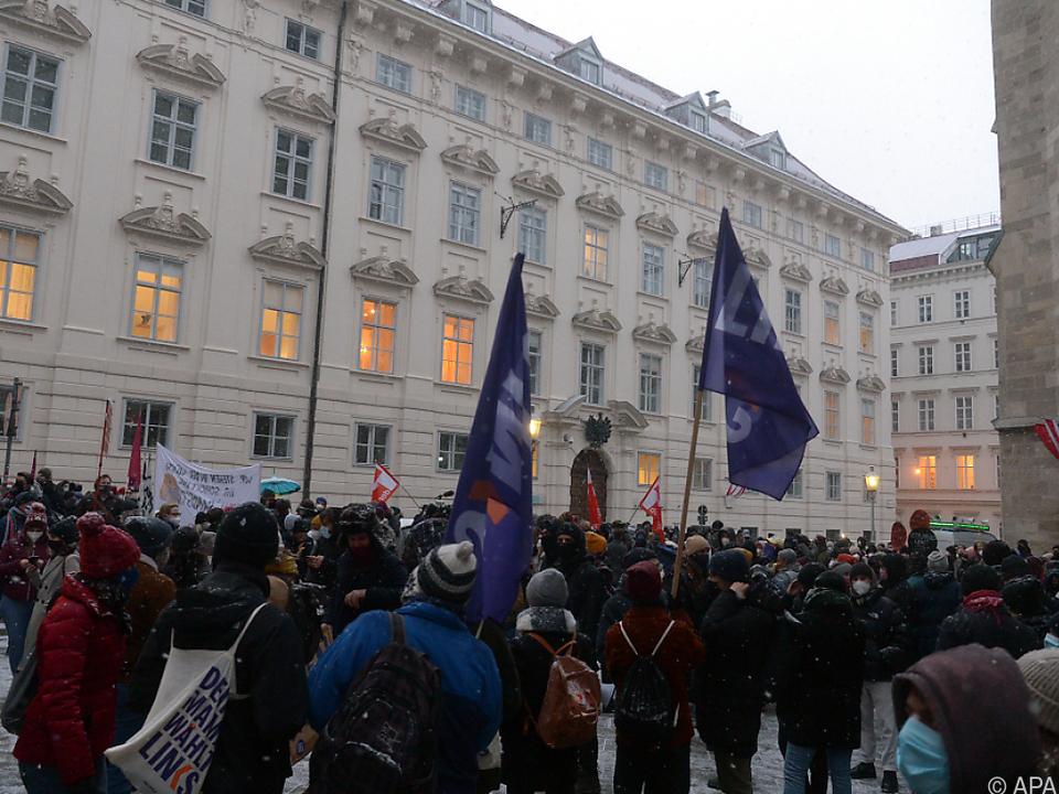Mehrere hundert Teilnehmer bei Demo in Wien gegen das neue Uni-Gesetz.
