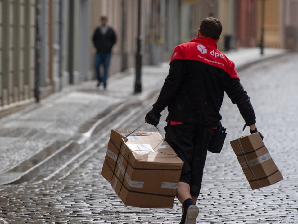 DPD stellt Lieferungen in die EU wegen Bürokratie vorübergehend ein