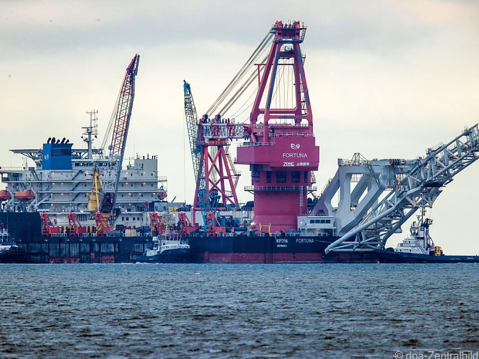 Russisches Rohr-Verlegeschiff \
